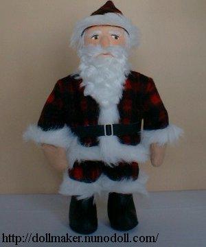 Père Noël avec barbe bouclée